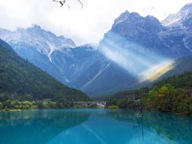 Beijing - Lijiang + Dali/Lugu Lake/Shangri-la 6 Days / Flight + Hotel